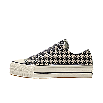 Color: houndstooth